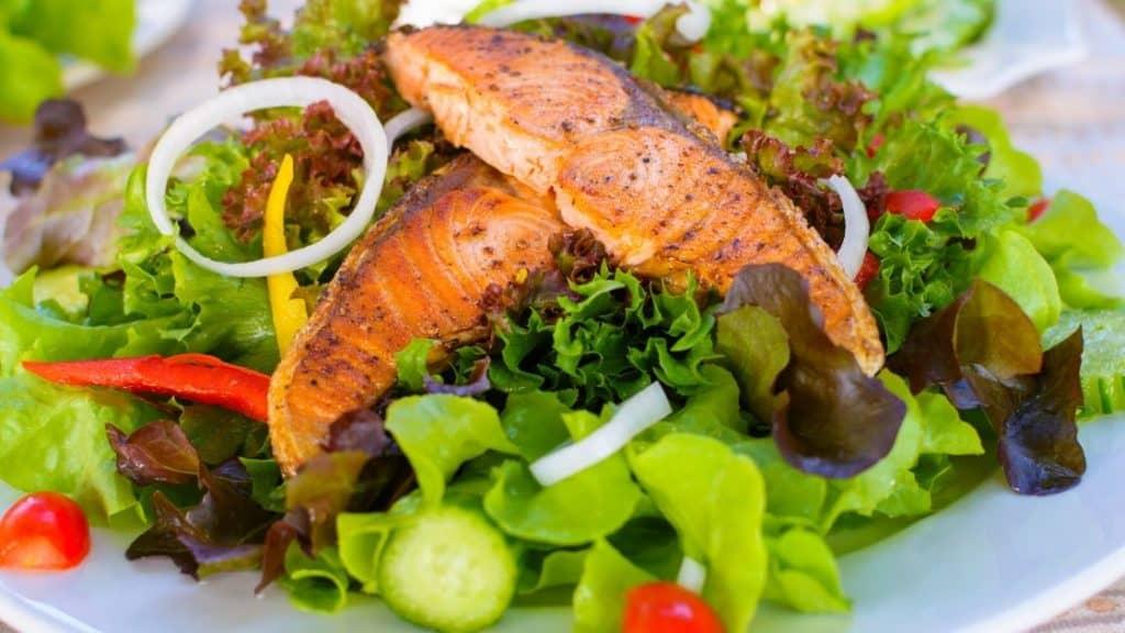 Lebensmittel gegen Müdigkeit Salat