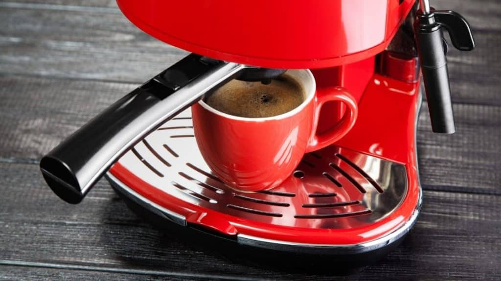 Koffeinunverträglichkeit - rote Espressomaschine